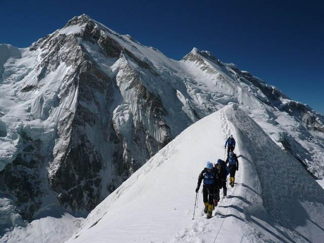 Kangchenjunga (8,586m, 28,169ft)