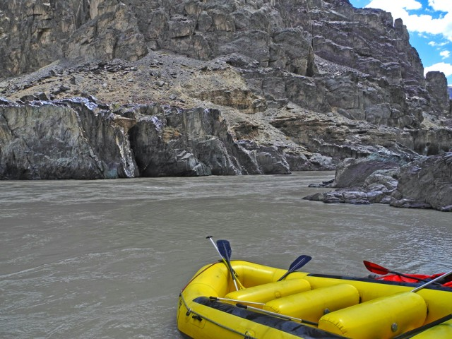 Raft on the Zanskar