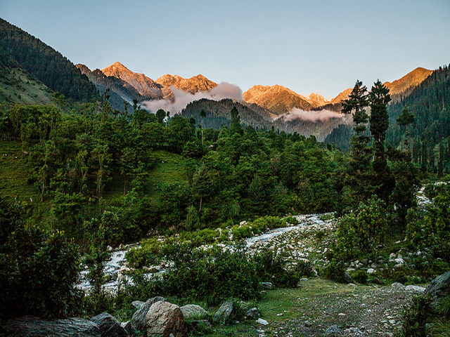 Is Trekking in Kashmir Safe ?