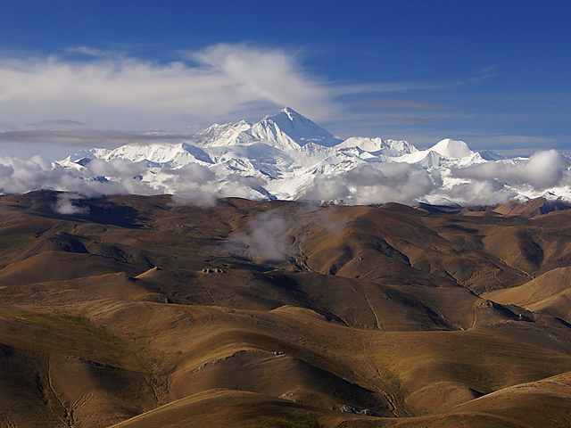 Overland Route to Everest from Lhasa