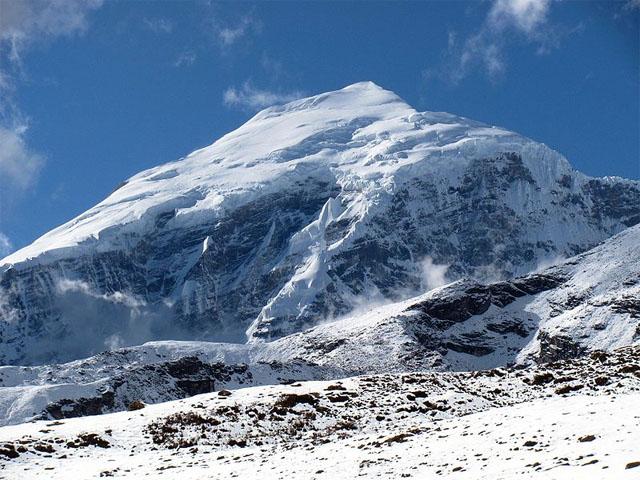 Mt. Jomolhari 7,326m straddles the border between Tibet and Bhutan