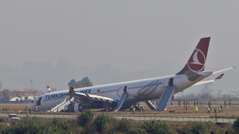 kathmandu_turkish_airliner